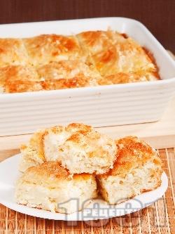 Пухкава баница със сирене, яйца и газирана вода - снимка на рецептата
